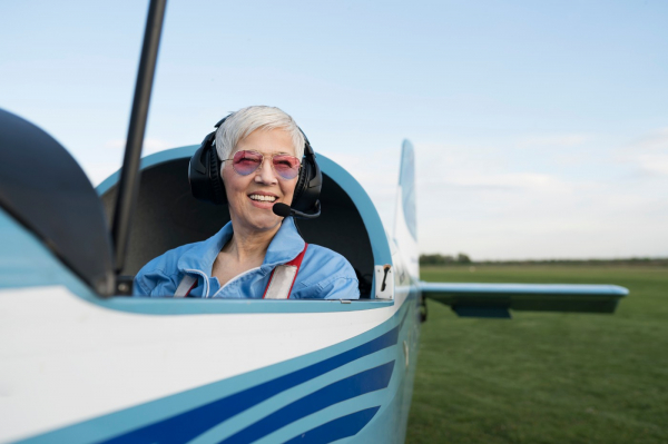Flying Solo? 5 Budget and Personal Financial Tips for Singles