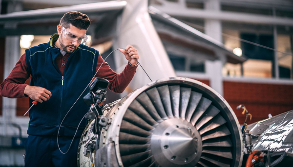 """No """"Living the Dream"""" for Boeing: 787 Dreamliner Snag the Latest Issue as Earnings Near"""