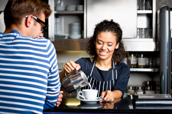 Financial Lessons Your Teen Can Learn from a Summer Job